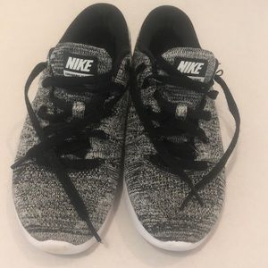 Nike Shoes - Nike LUNAREPIC FLYKNIT
